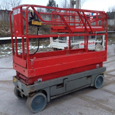 Scissor lift Haulotte Compact 8, 2006 m.
